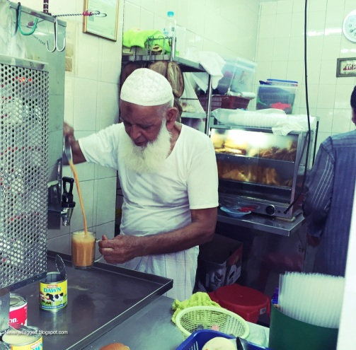 Zamir Chacha making best Teh Tarik in Singapore