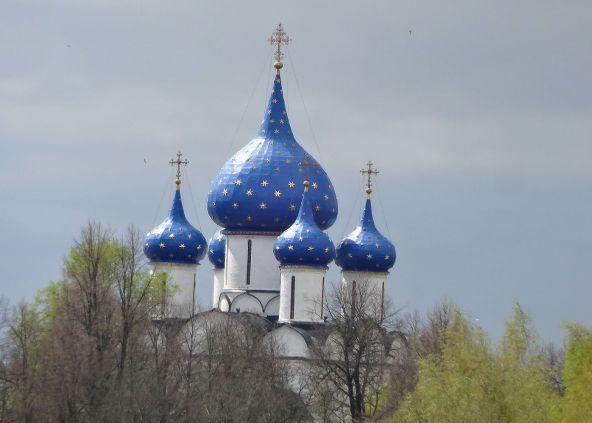 Suzdal-onion-dome-churches